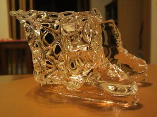 ガラス細工のアイススケート靴