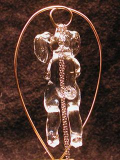 ガラス細工の首吊りうさぎ(アクセサリ)